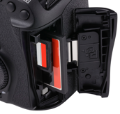 canon 5d mkiv card slots